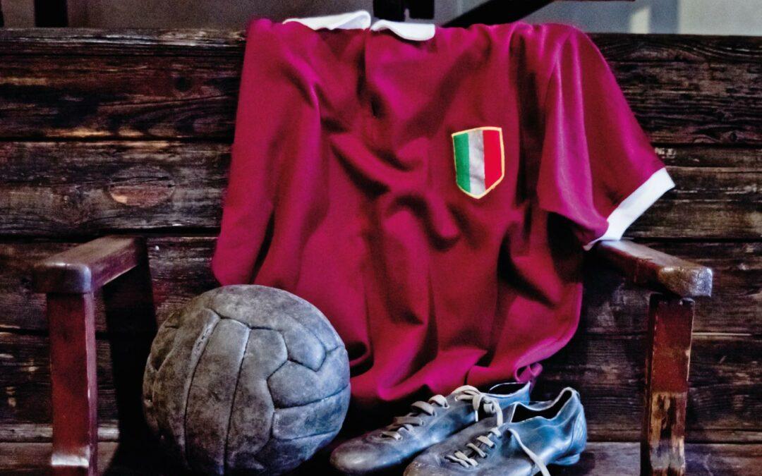 """Al Toro Club di Crescentino si presenta """"La storia delle storie"""" l'album dedicato alla storia del Torino"""